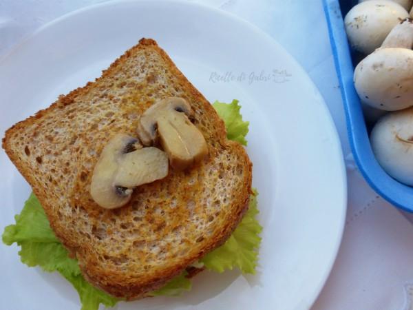panino con funghi trifolati ricetta facile