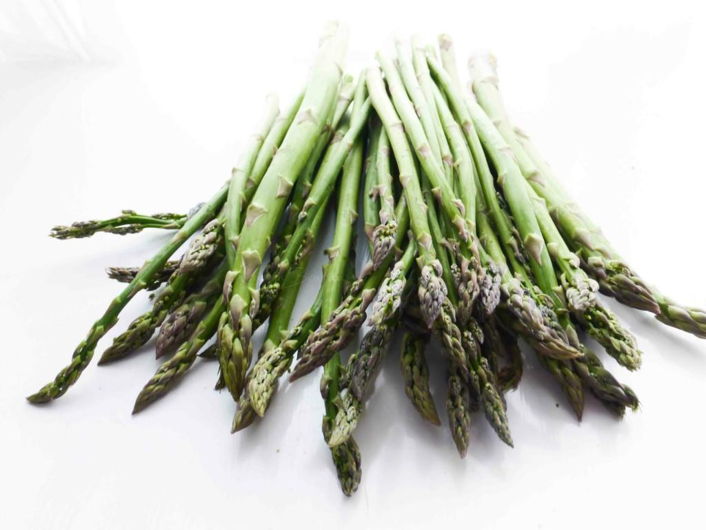 raccolta di ricette con asparagi