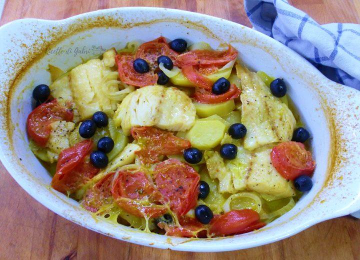baccalà al forno con patate e pomodorini ricetta facile veloce