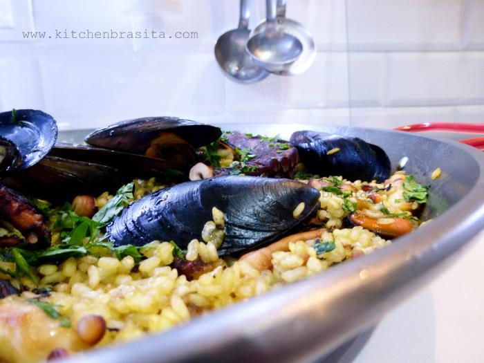 come fare la paella spagnola