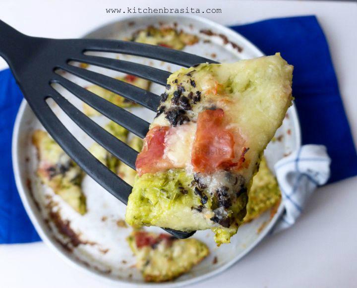 pizza di zucchine light / Pizza con impasto di zucchine: ripiena di cotto e mozzarella