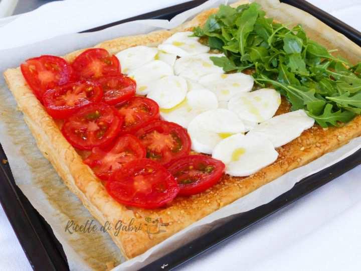 torta salata con pasta sfoglia-croccante-ricetta sfoglia tricolore di gabri