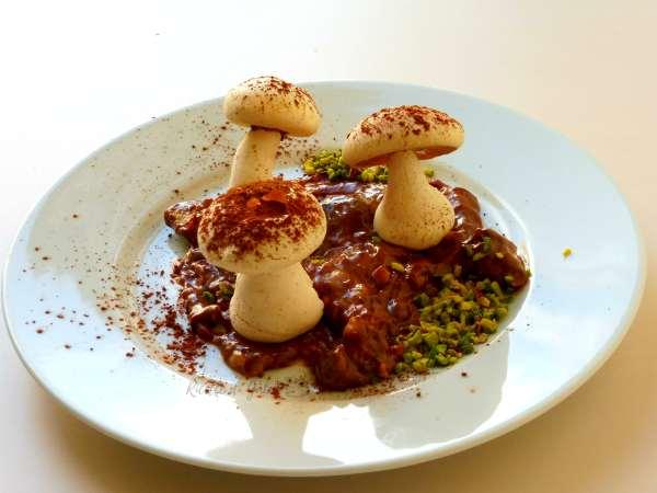 mushroons meringues , meringa perfetta finti funghi di meringa ricetta facile infallibile veloce