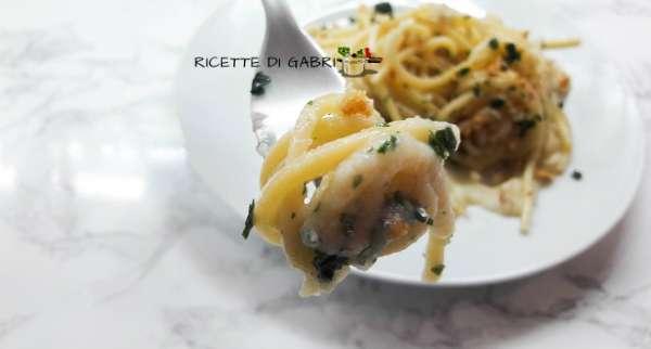 spaghetti aglio olio cavolfiore cannavacciuolo