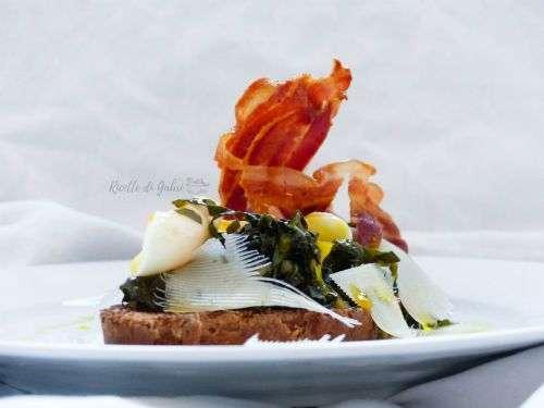 bruschetta zozzona con cavolo nero pancetta e uovo poche
