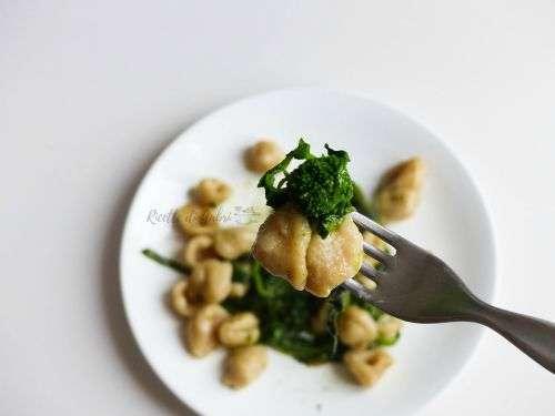 orecchiette con cime di rape broccoletti