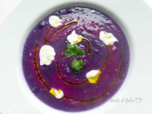vellutata viola di cavolo verza viola rosso
