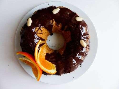 torta arancia decorata con farfalle di arancia