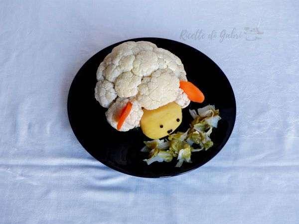 Agnello con verdure in agrodolce agnello pecora di cavolfiore