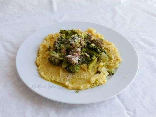 polenta con broccoli e salsicce