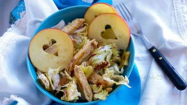 insalata di pollo mela e radicchio variegato