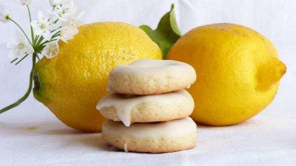 ciambelline al limone glassate taralli dolci glassati