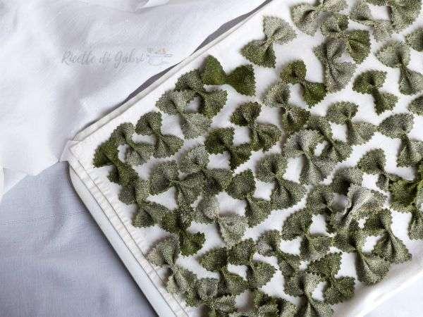 farfalle fatte in casa farfalle agli spinaci