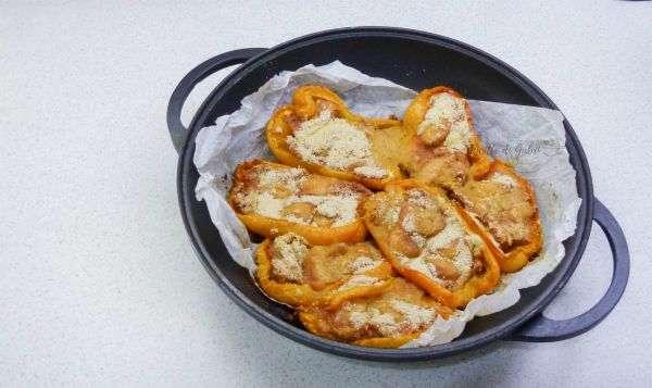 peperoni ripieni salsicce cotti in padella o forno