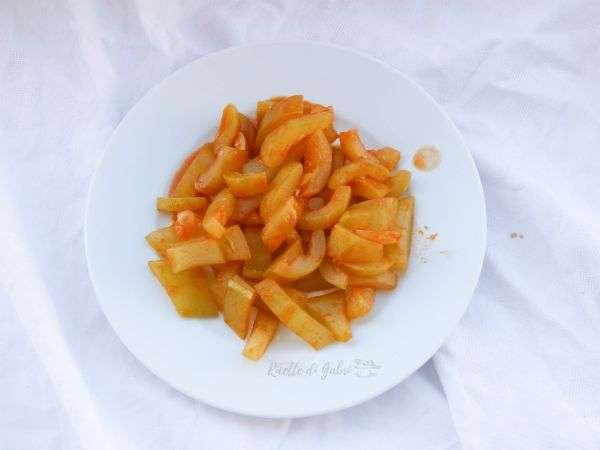 zucca lunga siciliana in umido contorno facile e veloce zucchine