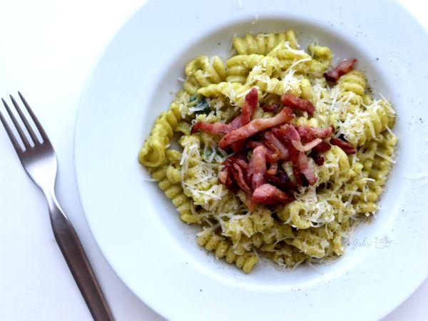 pasta crema di zucchine e pancetta ricetta facile