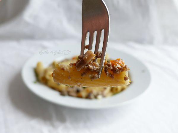 pasta funghi e macinato carne ricetta facile