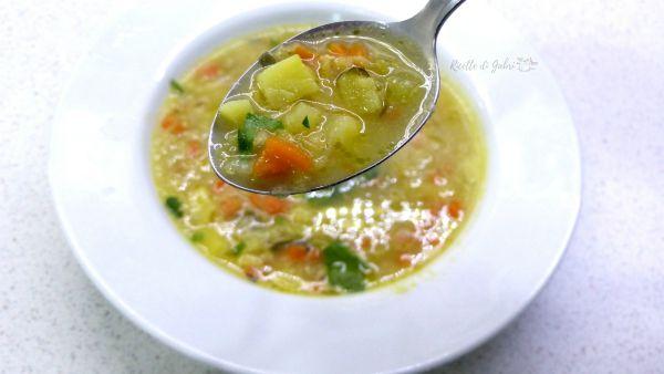 zuppa lenticchie rosse e curry