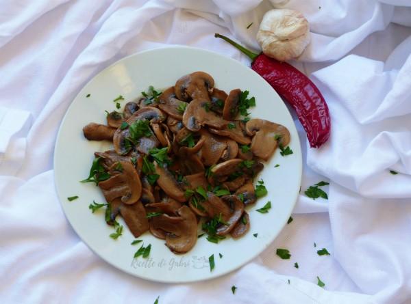 come fare i funghi champignon trifolati ricetta facile