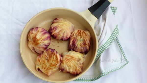 involtini di radicchio con polenta salsiccia