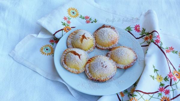 Tortelli dolci ripieni di ricotta