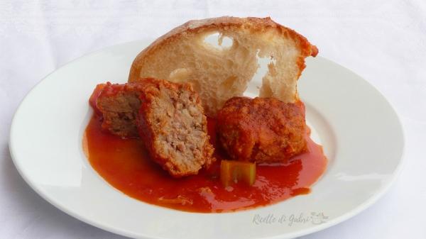 polpette morbide macinato e salsicce ricetta facile e veloce