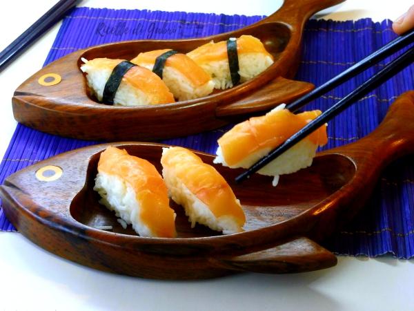 sushi nigiri riso e salmone ricetta