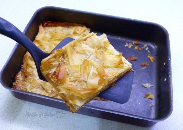 torta salata di cipolle e pasta fillo ricetta facile buonissima