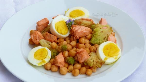 insalata di ceci salmone broccoli romaneschi salva cena