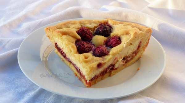 crostata con marmellata di ciliegie ricotta e visciole facile e veloce fiori di ciliegie