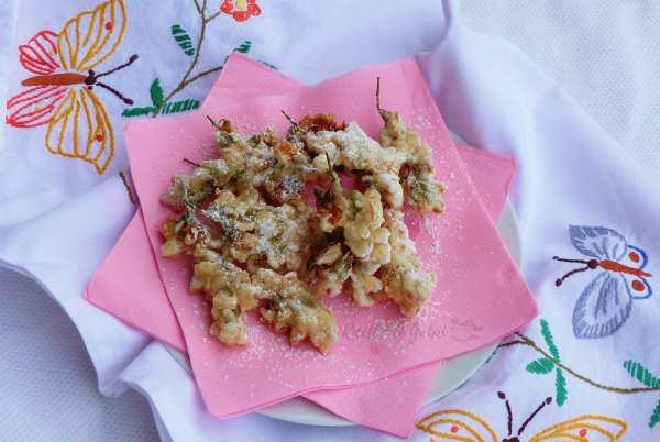 fiori di acacia fritti croccanti frittelle dolci