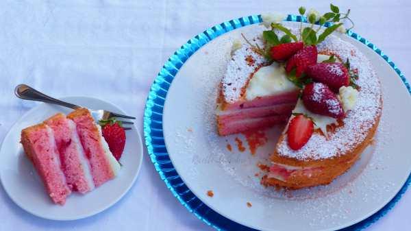 torta soffice fragole crema al latte senza uova naked cake