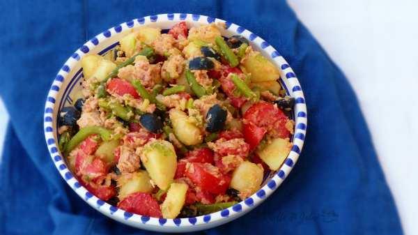 insalata di patate e tonno alla mediterranea . idee insalata fredda di patate