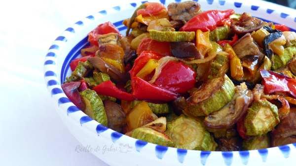 mix di verdure estive al forno ricetta facile veloce zucchine melanzane peperoni