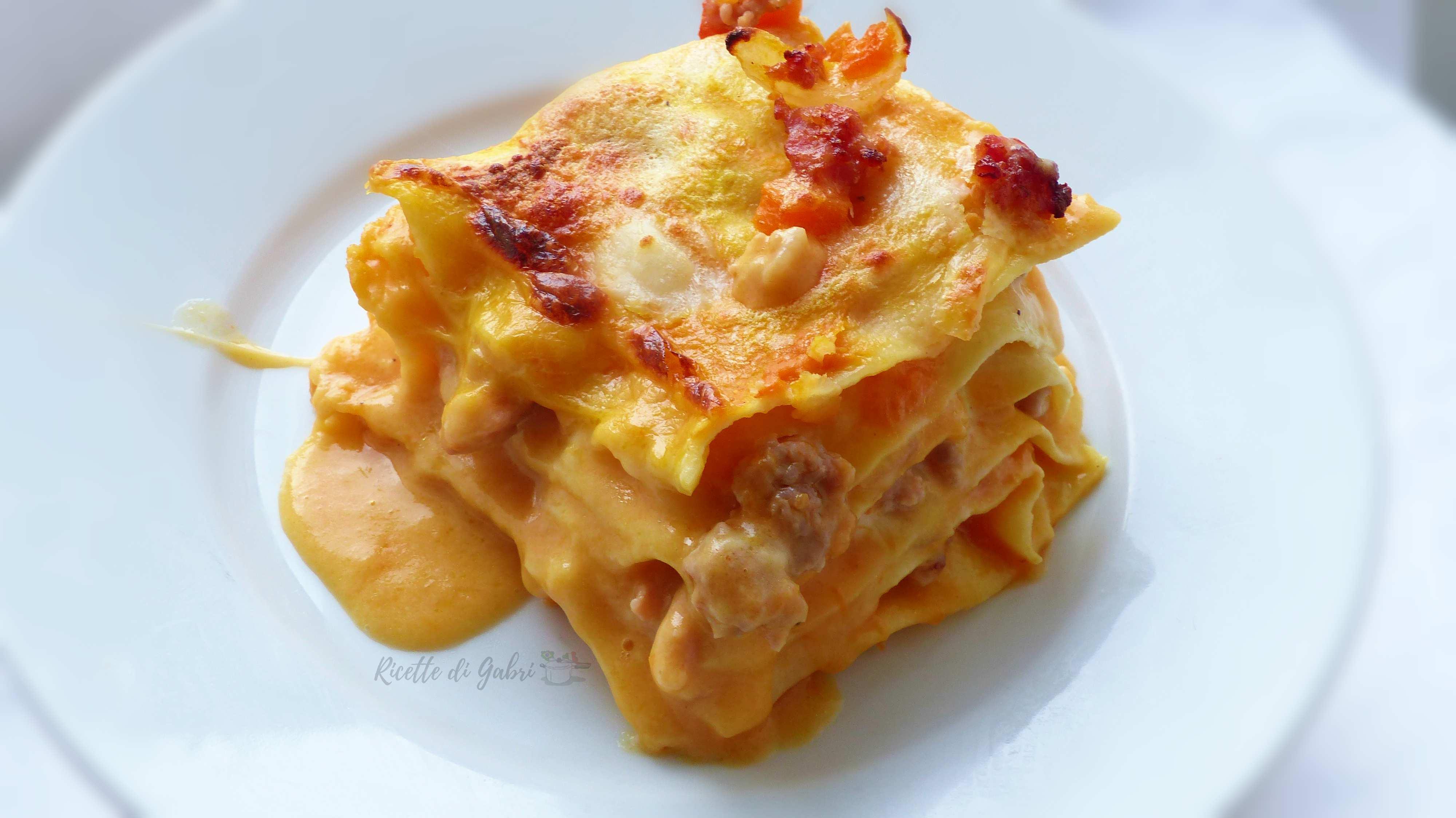 lasagna con zucca e salsiccia ricetta facile con besciamella veloce senza cuocere la sfoglia prima