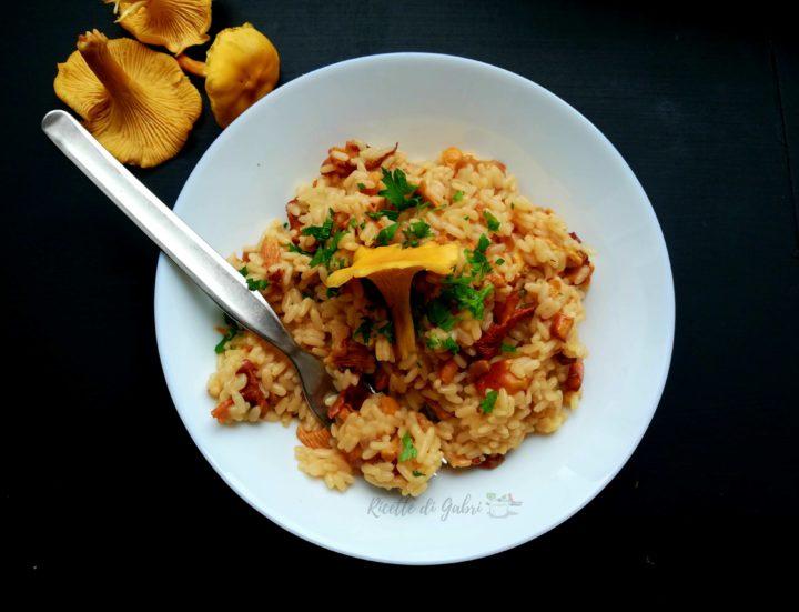 risotto ai funghi finferli galletti o gallinaccio ricetta facile risotto cremoso veloce