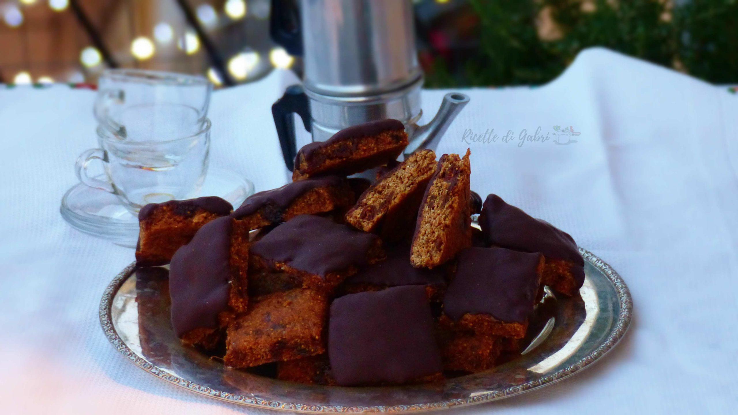 biscotti energetici con fichi secchi e cioccolato ricetta facile vegan senza burro ne uova di gabri
