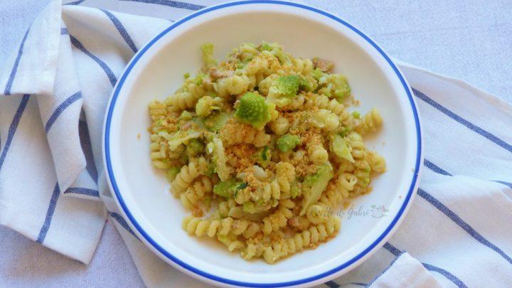 pasta con broccoli romani romaneschi ricetta facile veloce leggera pasta broccoli e tonno