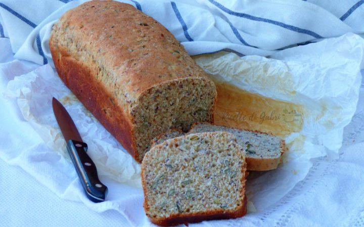 Pane integrale in cassetta fatto in casa da gabri ricetta facile con lievito di birra