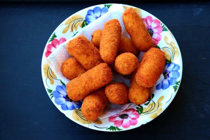 crocchette di patate fritte fatte in casa morbide dentro e croccanti fuori ricetta facile perfetta di gabri