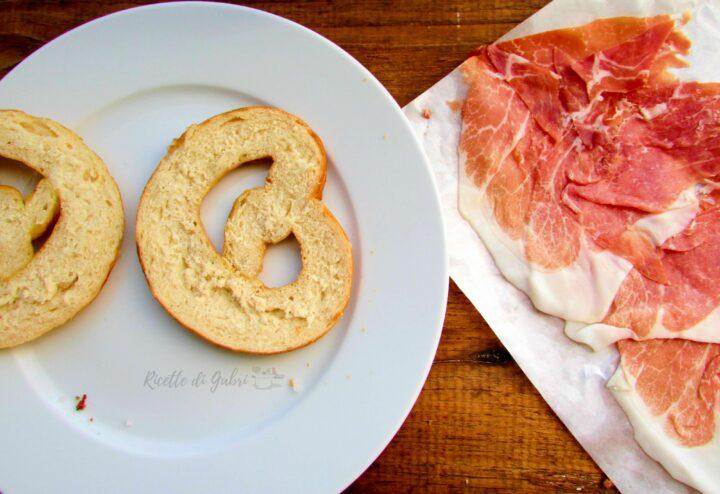 pane tedesco bretzel fatto in casa ricetta facile soffice di gabri prezel