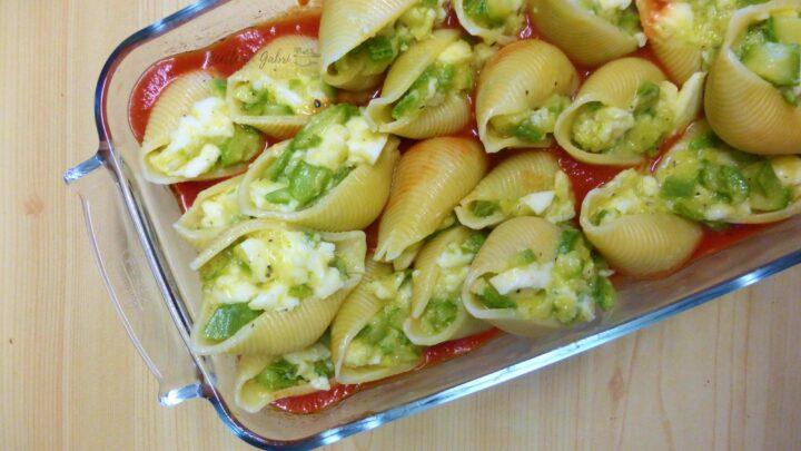 pasta ripiena con zucchine e mozzarelle conchiglioni di pasta al forno ricetta facile e veloce di gabri
