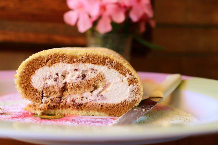 rotolo delizia al caffè con panna e cioccolato ricetta facile fatto in casa da gabri impasto rotolo che non si rompe