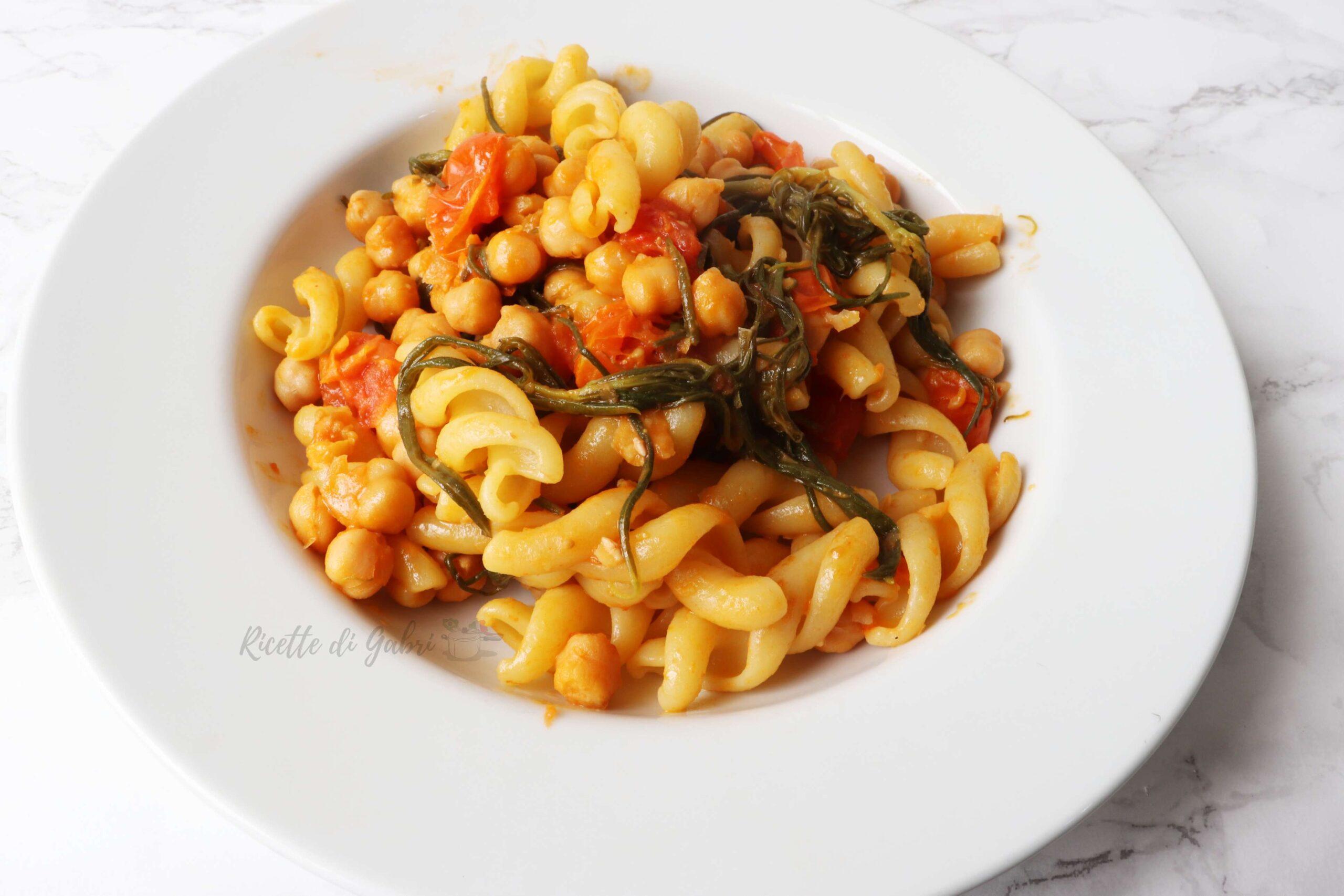 pasta ceci e agretti ricetta fusilloni facile vegetariana gabri