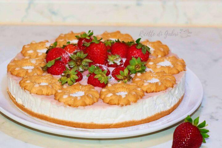 cheesecake senza cottura con fragole e cioccolato bianco torta fredda biscotti bucaneve di gabri