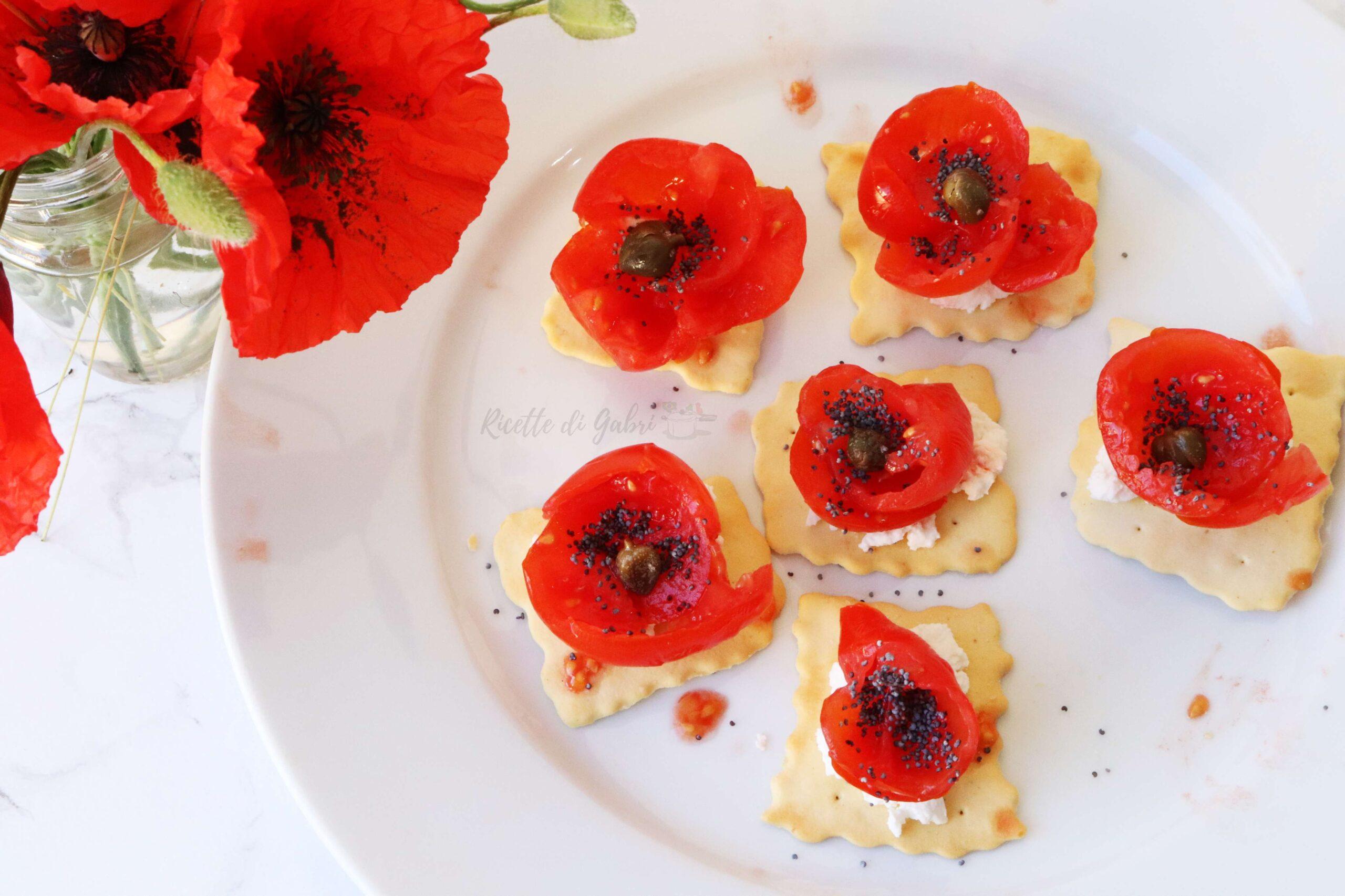 fiori di pomodori papaveri commestibili antipasto aperitivo idee crostini bruschette sfiziose facili gabri