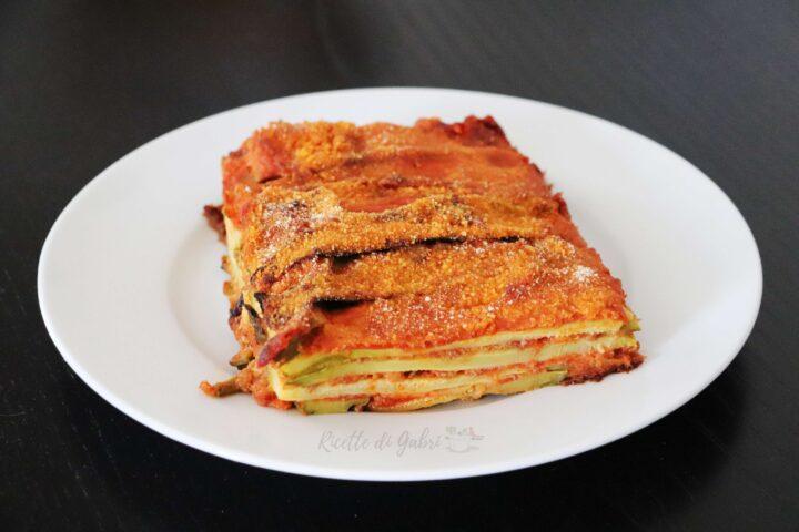 parmigiana di zucchine tutto a crudo con ragù veloce