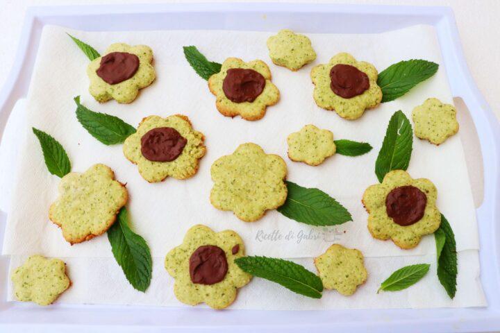 ricetta biscotti menta cioccolato e cocco frolla senza burro e solo un uovo gabri