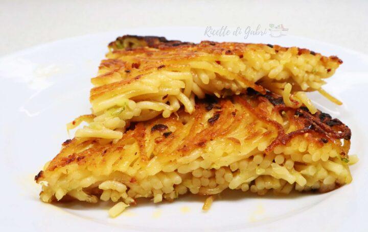 frittata di pasta senza uova spaghetti alle zucchine avanzati ricetta facile veloce gabri