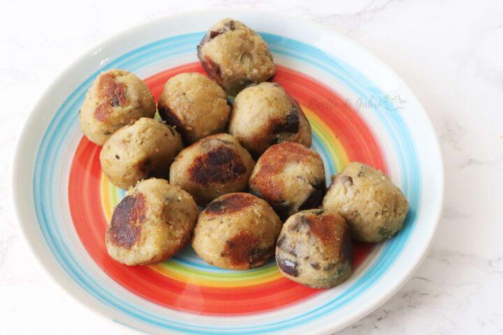 polpette di melanzane cotte in padella ricetta facile senza uova con ceci in scatola gabri